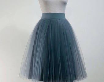 Grey Tulle skirt. Tulle skirt. Woman tulle skirt. Tea length tulle skirt. Tutu skirt for woman. Tutu woman. Tulle skirt woman.