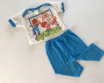 Vintage pajamas size 1, 12 months, dog pajamas