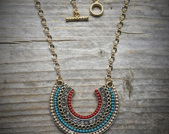 Embellished Gold Plated Pendant Necklace With Toggle Clasp