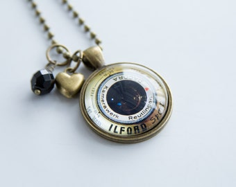 Camera Lens Necklace - Photography Jewelry - Gift For Photographer - Camera Pendant - Photog Necklace - Camera Lens Glass Pendant Gold Lens