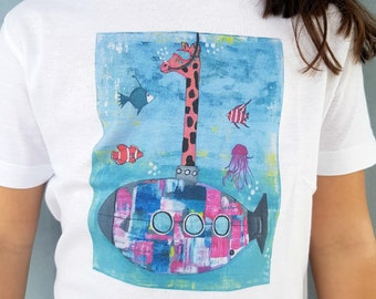 Giraffe Submarine Kids' T-shirt, 100% natural cotton t-shirt with Giraffe Submarine illustration, animal illustration t-shirt, kids' t-shirt