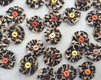 fleurs kanzashi ,lot de 10 fleur en tissu,yoyo,pour customiser vos créations,embellissement sac ,barrette,broche ,scrapbooking,fleur ,tissu