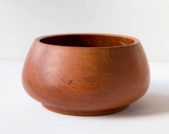 Noble large teak bowl in mid century design