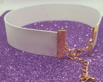 Colour changing Choker