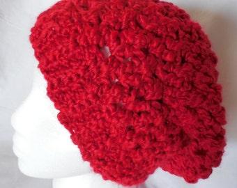 Sombrero - Candy Apple Red - Crochet el sombrero - Red Hat Slouchy - ganchillo hecho a mano - listo para enviar