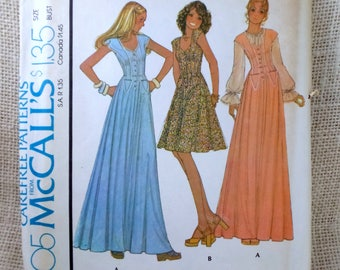Vintage 1970s sewing pattern McCall's 4405 Bust 31 Prairie dress Puffy sleeves Wench Cosplay Renaissance Ren faire Dirndl Jumper