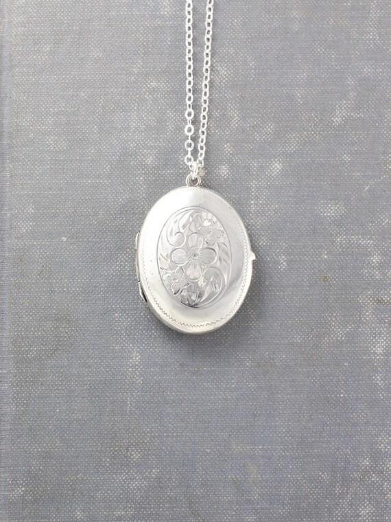 Vintage Sterling Silver Locket Necklace, Large Oval Picture Locket Pendant - Dame's Violet