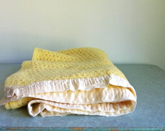 Vintage Yellow Baby Blanket/Hand Knit Baby Blanket/Vintage Blankets/Vintage Handmade Blanket/Throw/Nursery Decor/ Vintage Baby Shower Gift