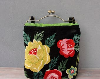 Bohemian Floral Bag - Vintage Embroidery, Black bag, Flower Power, Kiss-lock