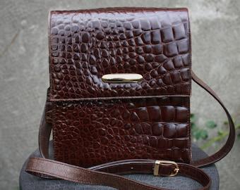 Vintage JACQUELINE FERRAR Croco embossed Brown Leather shoulder, cross body bag