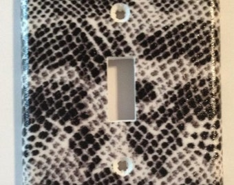 Snake Skin Fabric Single Toggle Light Switch Plate Cover