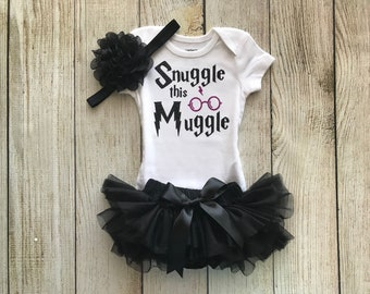 Snuggle This Muggle - Harry Potter Baby Girl Coming Home Outfit in Black & White - Baby Girl Harry Potter Outfit - Harry Potter Muggle