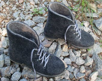 Outdoor felted black boots with rubber soles. Organic wool womens shoes. Winter boots. Size 9. Size 9 1/2