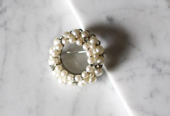 1980s loose pearl brooch // 1980s brooch// vintage brooch