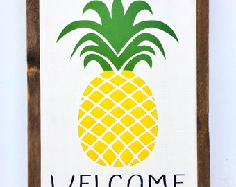 Pineapple Wood Wall Art Welcome Sign Kitchen Decor Front Door Hanger Porch Decor Wooden Welcome Barnwood Farmhouse Sign Housewarming Gift