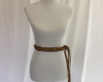 Brown Boho 70s Macrame Belt//Hippie//Wood Beads