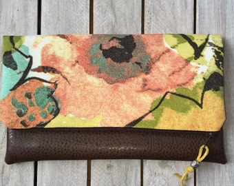 Fold Over Clutch, Vegan Leather Floral Clutch Bag; Modern Clutch Purse; Ipad or Kindle Case; Purse Clutch; Bridesmaid Gift; Gift for Her