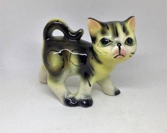 Cat Figurine, Kitty Figurine, Vintage Cat Statue, Japan Cat Figurine, Old Cat Figurine, Collectible Cat