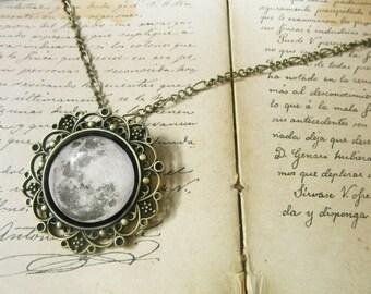 Full Moon Charm cabochon - talisman bronze antique