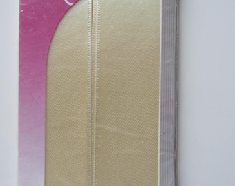 Satin ribbon double faced off-white (pastel) - 3.50 m x 25 mm
