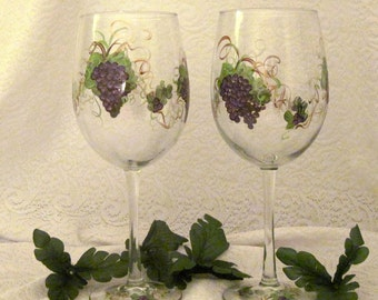 Free shipping Purple grape hand painted pair of wine glasses