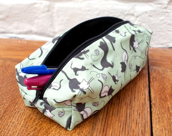 HALF PRICE! Bergie & Bumbles cat make up bag/ pencil case, exclusive to ThatAgnes.