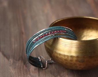 Copper bracelet - Metalwork - Garnet - jewelry - Wrap bangle - Wirewrapped - verdigris patina - oriental - boho - Southwest - healing - gift