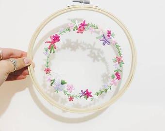 Mesh flower circle