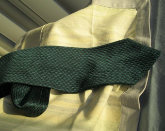 Vintage silk tie ,Harold Powell , Made in USA, 50% off