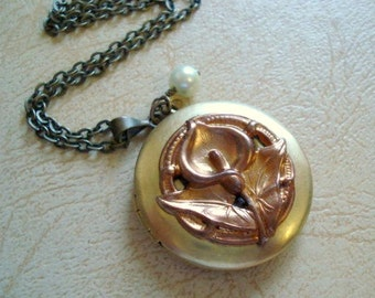 Calla Lily Locket Necklace Spring Jewelry Locket Flower Brass Locket Calla Lily Necklace  Brass Gold Photo Locket Flower Jewelry