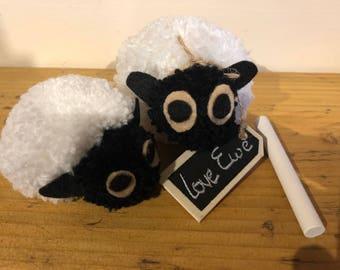 2 Pom Pom Sheep