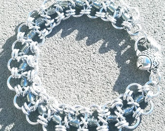 Beaded chainmaille bracelet with fish clasp