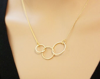 Triple Linked Ring necklace/ Linked Ring necklace/ Ring necklae/ Tri-rings necklace/ everyday jewerly