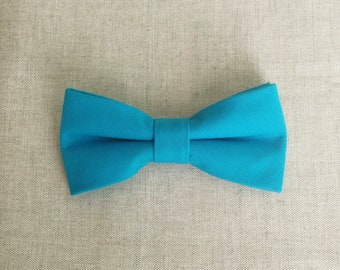 Turquoise Blue Bow Tie, Mens Bow Tie, Solid Turquoise Bow Tie, Bow Tie for Men, Bow Tie for Wedding, Plain Bowtie, Groomsmen & Groom Bowtie