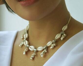 Boho Shell Necklace, Beach Wedding Necklace, White Turquoise Necklace