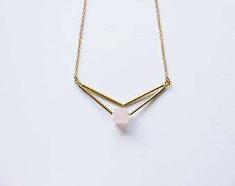 Rose quarzt necklace,  Triangle necklace, rose quartz pendant, wedding necklace, pink stone necklace, rose quartz jewelry, gift for her