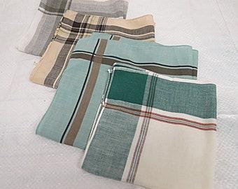 4 Vintage Mens  Cotton Hankies Hankerchief #007