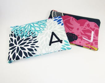 Set of 2 - Embroidered Makeup bag - Personalized Clutch - Bridesmaid clutches - Medium