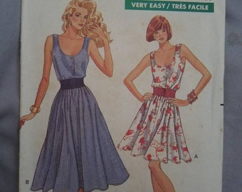 Vintage Butterick 6416 Misses Dress, 2 length, Semi-Fitted, Blouson Bodice, Elastic Waist.  Size 6-8-10.