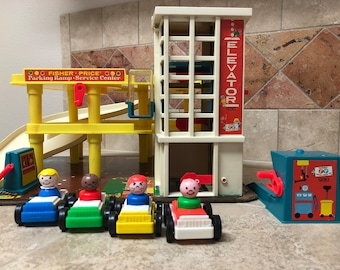 Vintage Fisher Price Little People Play Family Action Garage