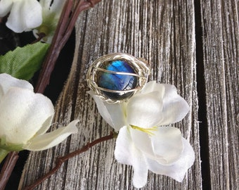 Blue flash labradorite sterling silver ring