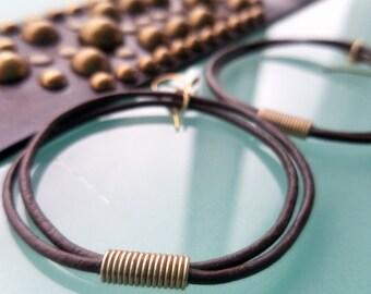 Ensemble de Bracelet boucle d'oreille Oki Midas, cordon en cuir boucles d'oreilles avec perle africaine, manchette en cuir clouté, en argent ou en laiton, bijoux Tribal de Boho Gypsy