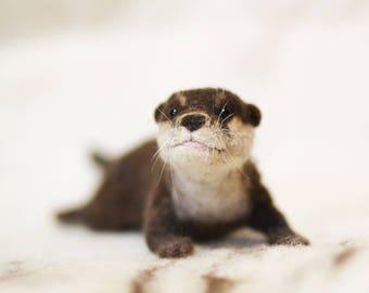MADE TO ORDER - Needle felted Otter - Felt Otter - Home Decor - Poseable - Custom Animal Portrait - Soft Sculpure - Animal Art - Otter Decor