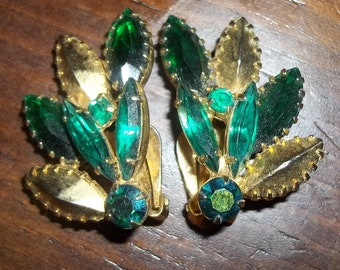 Emerald Green Vintage Rhinestone Earrings Fit for a PRINCESS