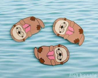 Kawaii Otter enamel pin, Cute otter backpack pin, Animal jacket pin, Broken heart lapel pin, Ocean river sea otter teen gift, Flat Bonnie