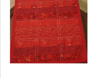 """RED-DY When You Are, 18"""" x 24"""" reversible pet quilt"""