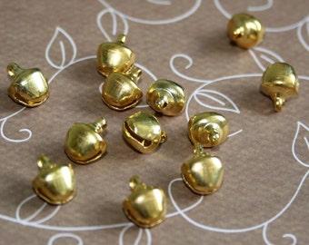 free shipping in UK - 100 pcs - 8mm gold jingle bells Charm Christmas Pendant