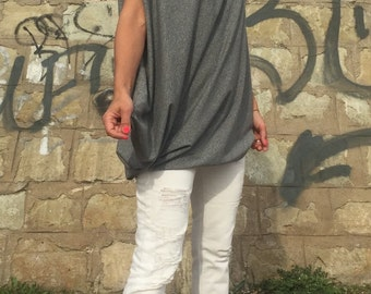 Plus Size Grey Tunic/ Asymmetrical Top/Oversize Tunic/Loose Trendy Blouse/Extravagant Grey Top/Party Top