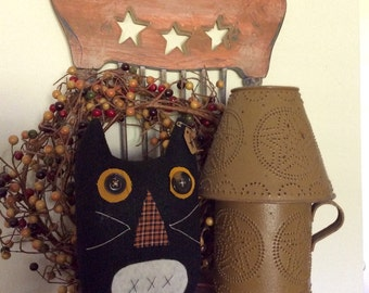Primitive black cat pillow tuck