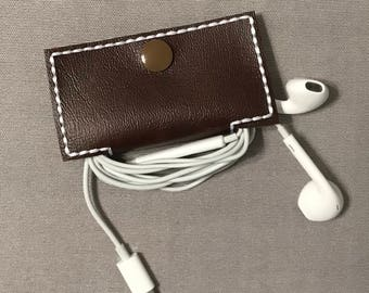 Earbud holder